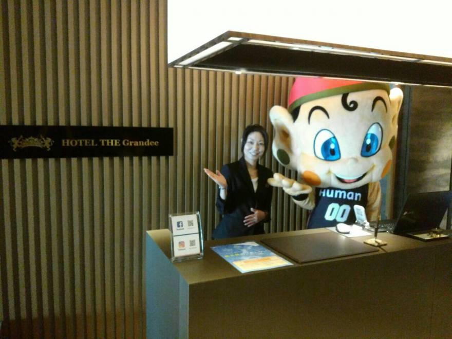 大阪エヴェッサのマスコット「まいどくん」ご来店!
